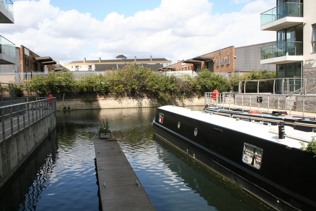 Abbott's Walk moorings, Limehouse Cut - geograph.org.uk - 949693
