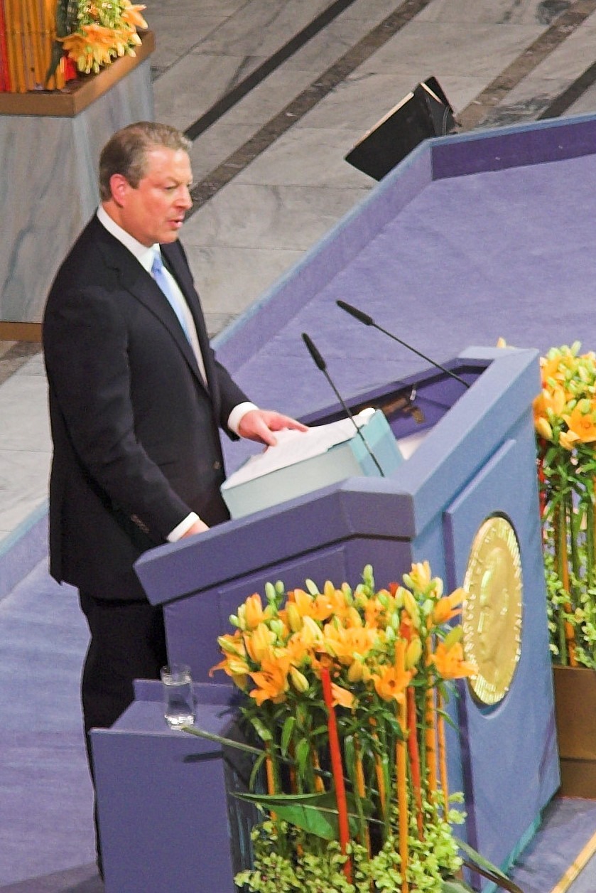 http://upload.wikimedia.org/wikipedia/commons/c/c9/Al_gore_nobel.jpg