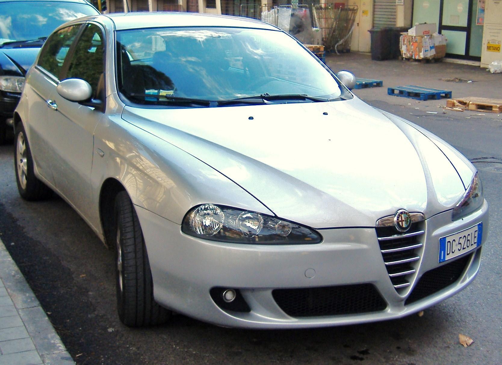 File:Alfa Romeo 147 1.6 Twin Spark Serie 4 2010.JPG - Wikipedia