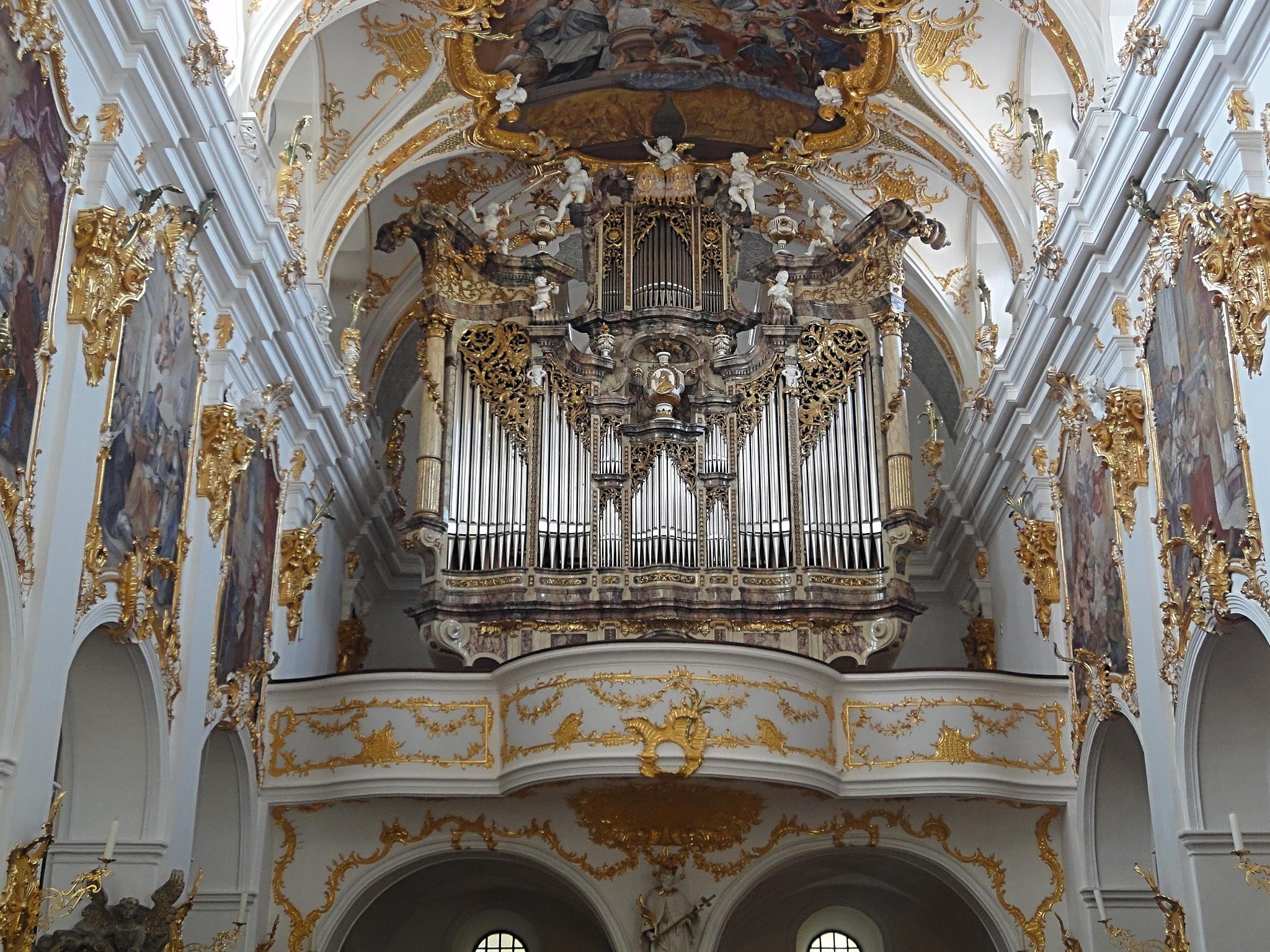 File:Alte Kapelle Regensburg.JPG - Wikimedia Commons