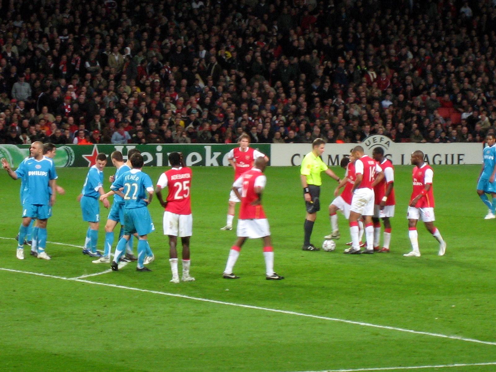 Arsenal Wikipedia: File:Arsenal-PSV.jpg