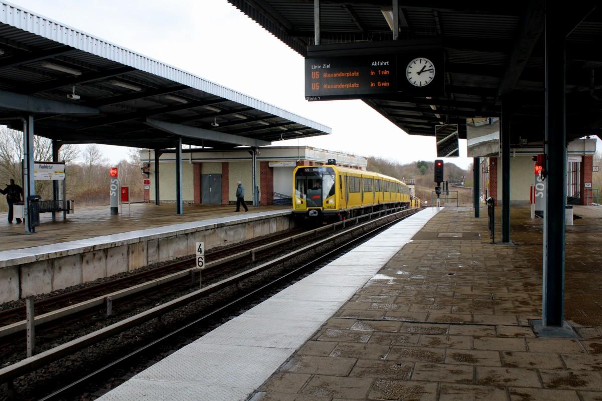File:Bvg-u-bahn-berlin-linie-u5-859486.jpg - Wikimedia Commons