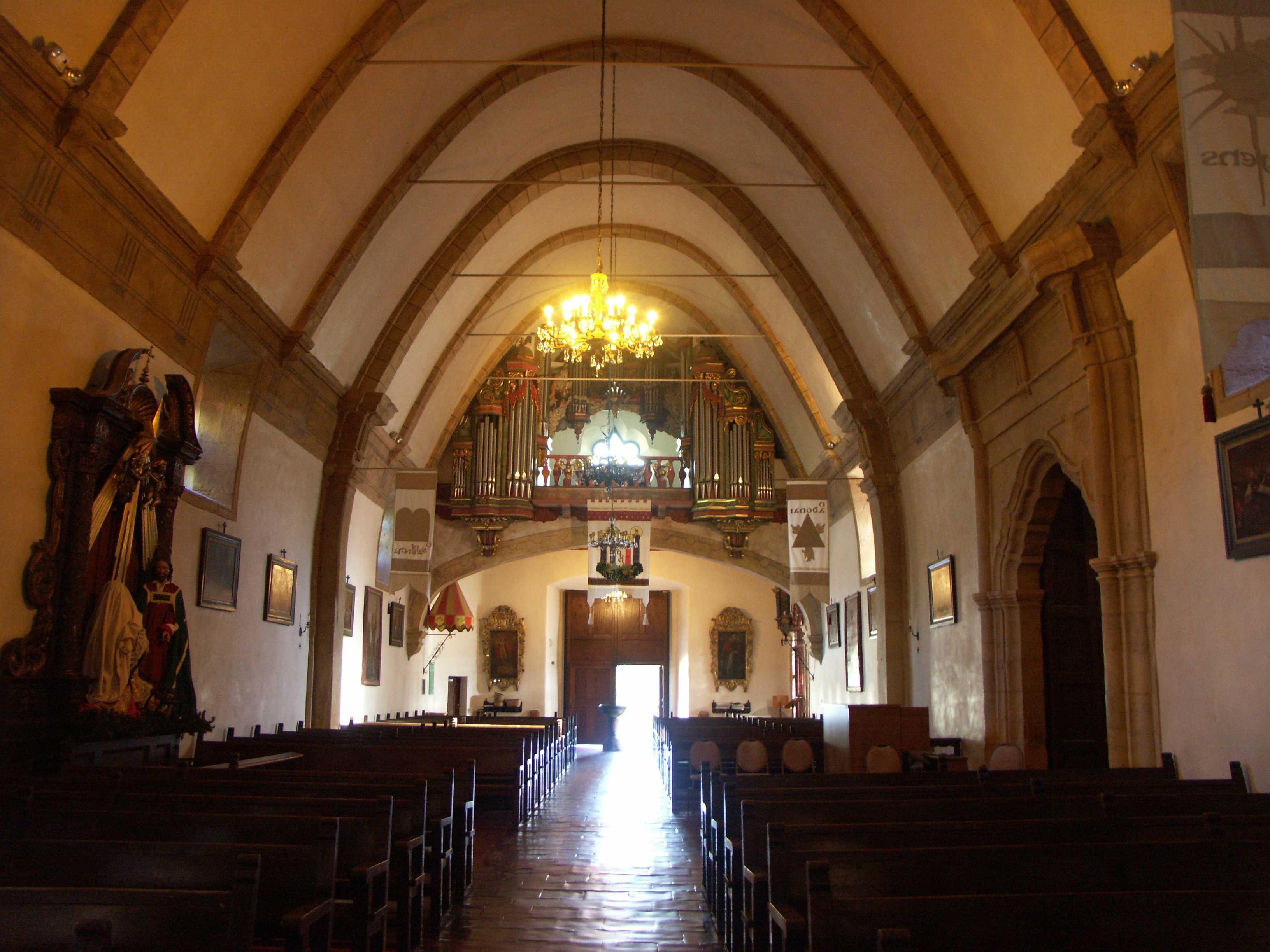 File:Carmel Mission - Inside church & organ.JPG - Wikimedia Commons