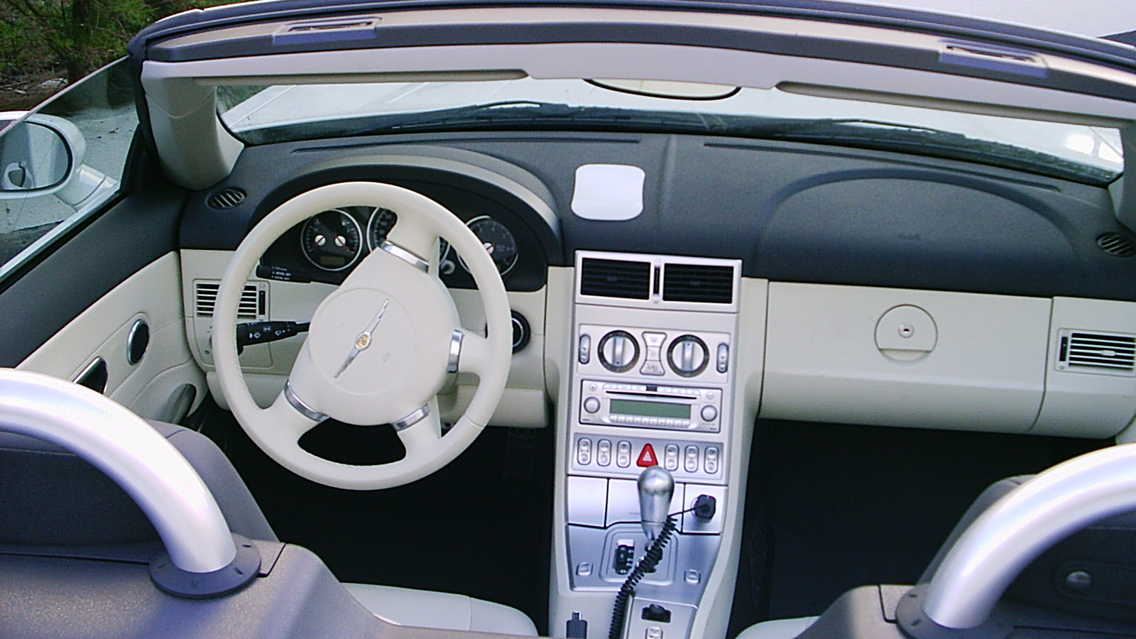 File:Chrysler Crossfire convertible interior open.JPG ...