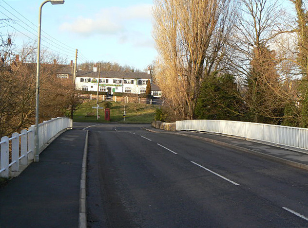 File:Croft Bridge - geograph.org.uk - 1136400.jpg