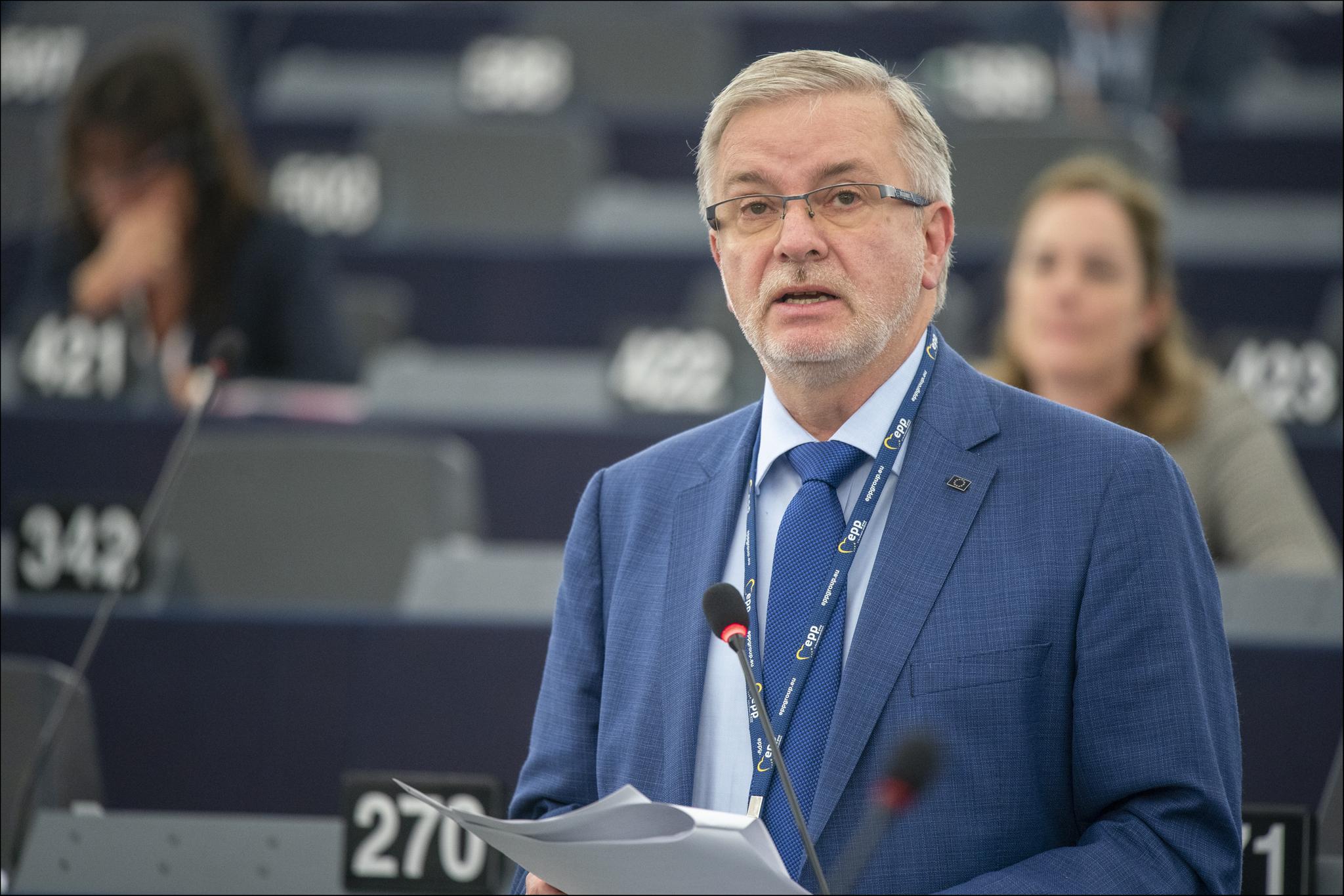 Bespomoćni EU u Nagorno Karabahu Debate_MEPs_call_for_measures_against_Turkey_following_military_operation_in_Syria_%2848948321112%29