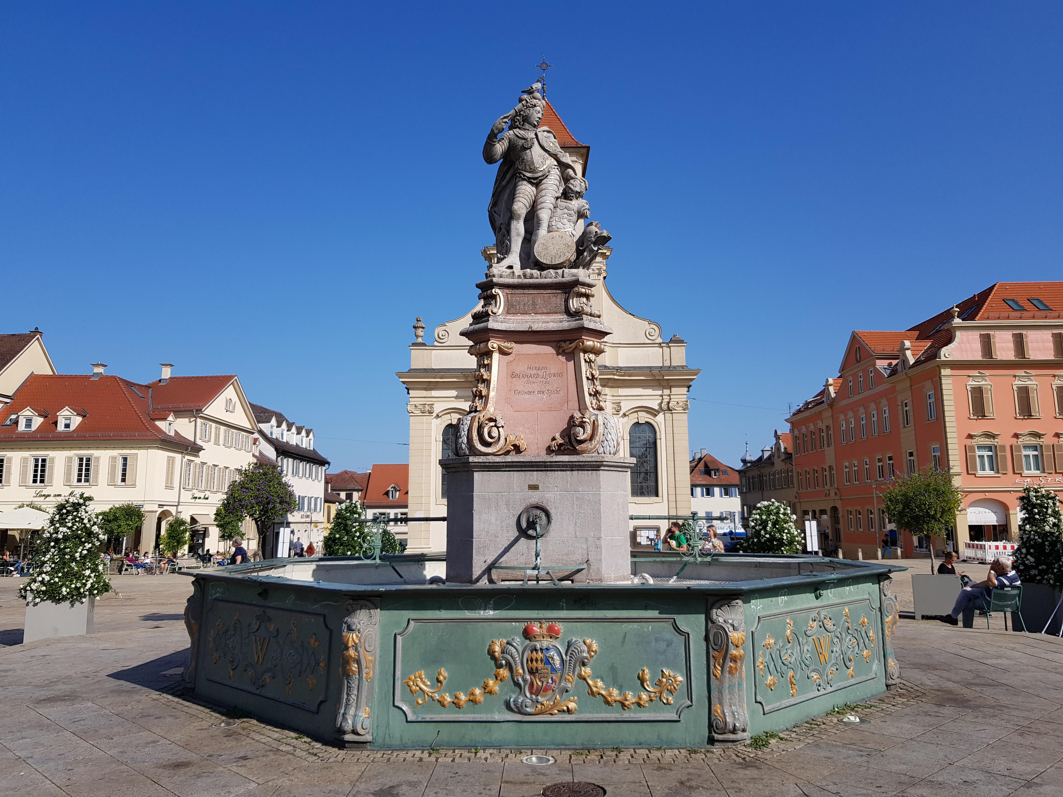 File:Eberhard-Ludwig-Brunnen, Marktbrunnen, Marktplatz, Ludwigsburg,  2020-09-18, yj.jpg - Wikimedia Commons