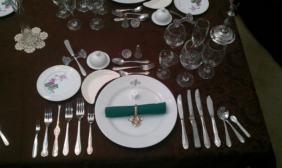 Formal Dinner Setting : File:Formal Place Setting 12 Course Dinner.jpg - Wikipedia, the free ...
