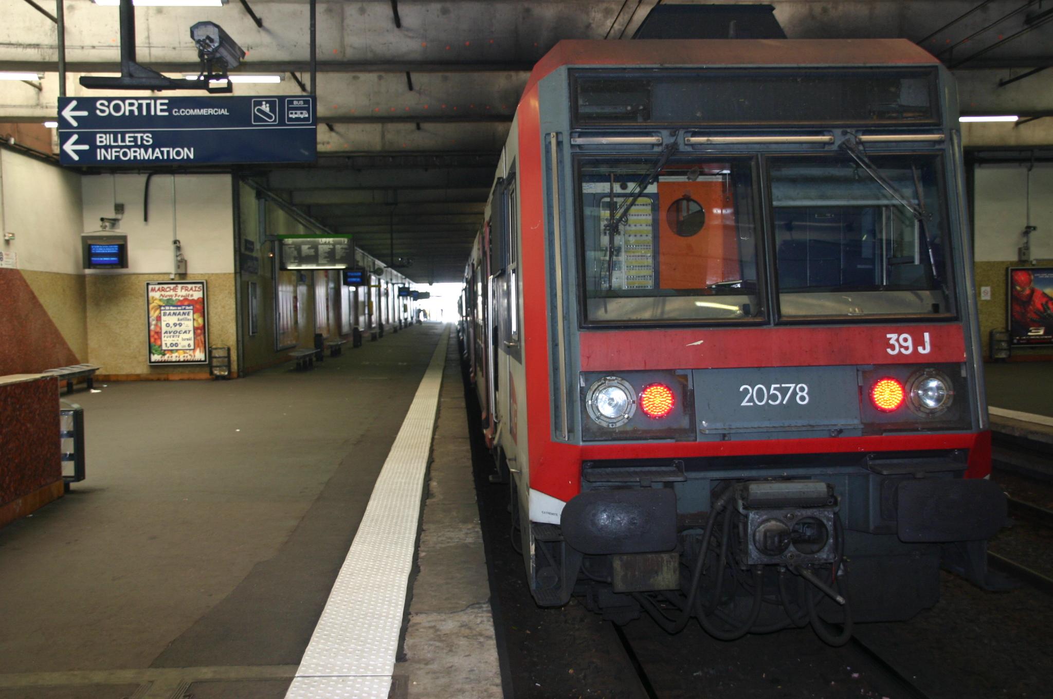 File:Gare de Grigny IMG 2236.JPG
