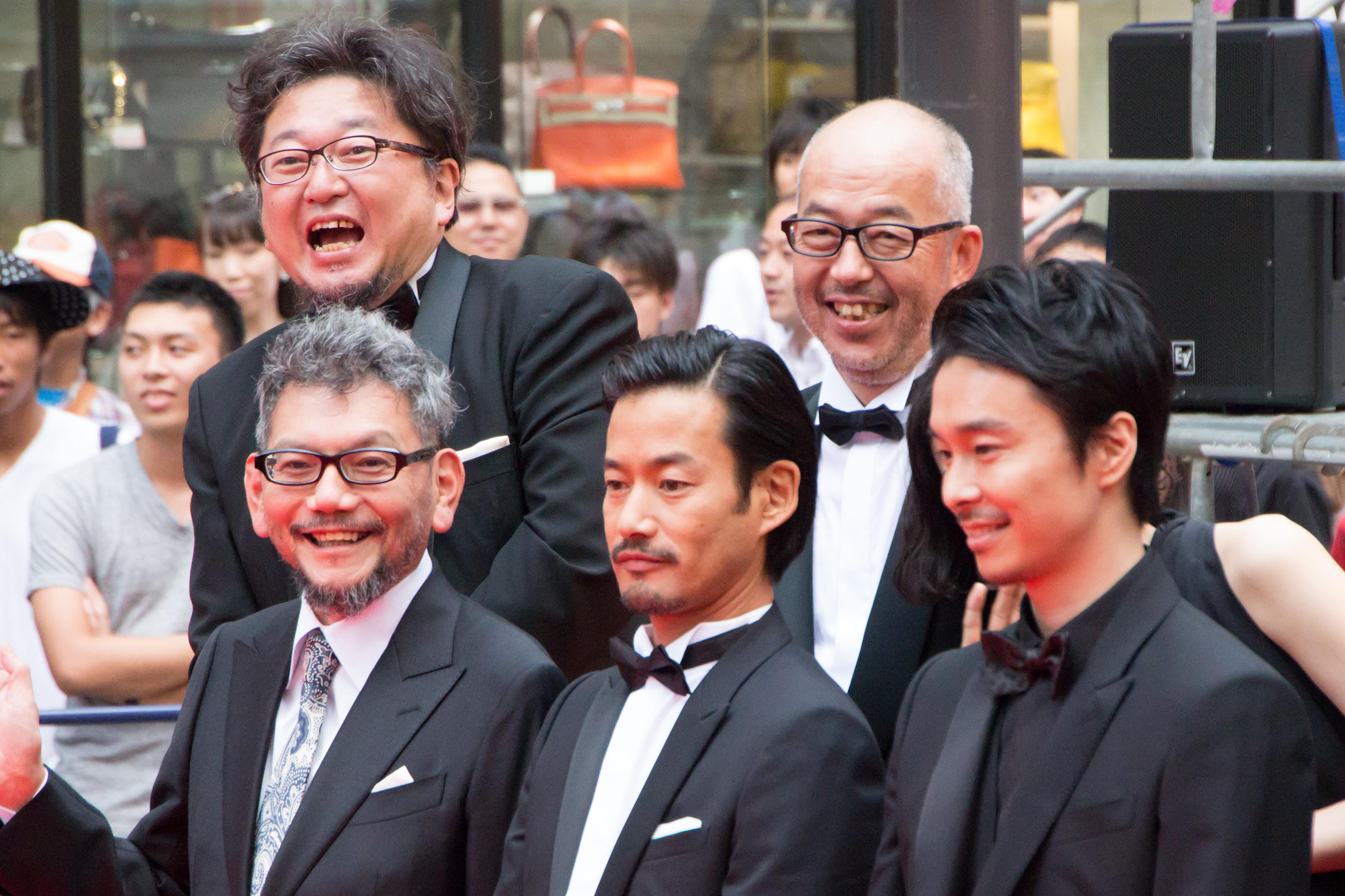 ファイル godzilla resurgence world premiere red carpet hasegawa
