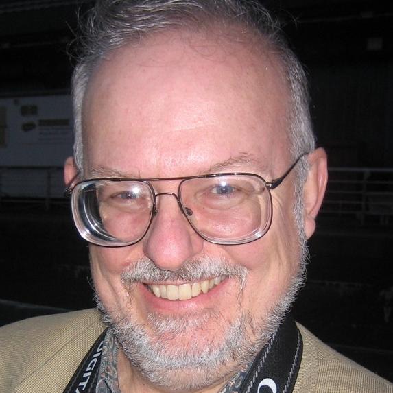File:Greg Bear (cropped).jpg - Wikipedia