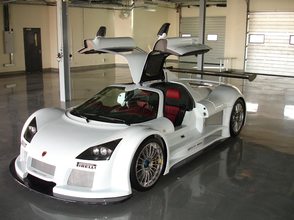 Gumpert Apollo Dubai