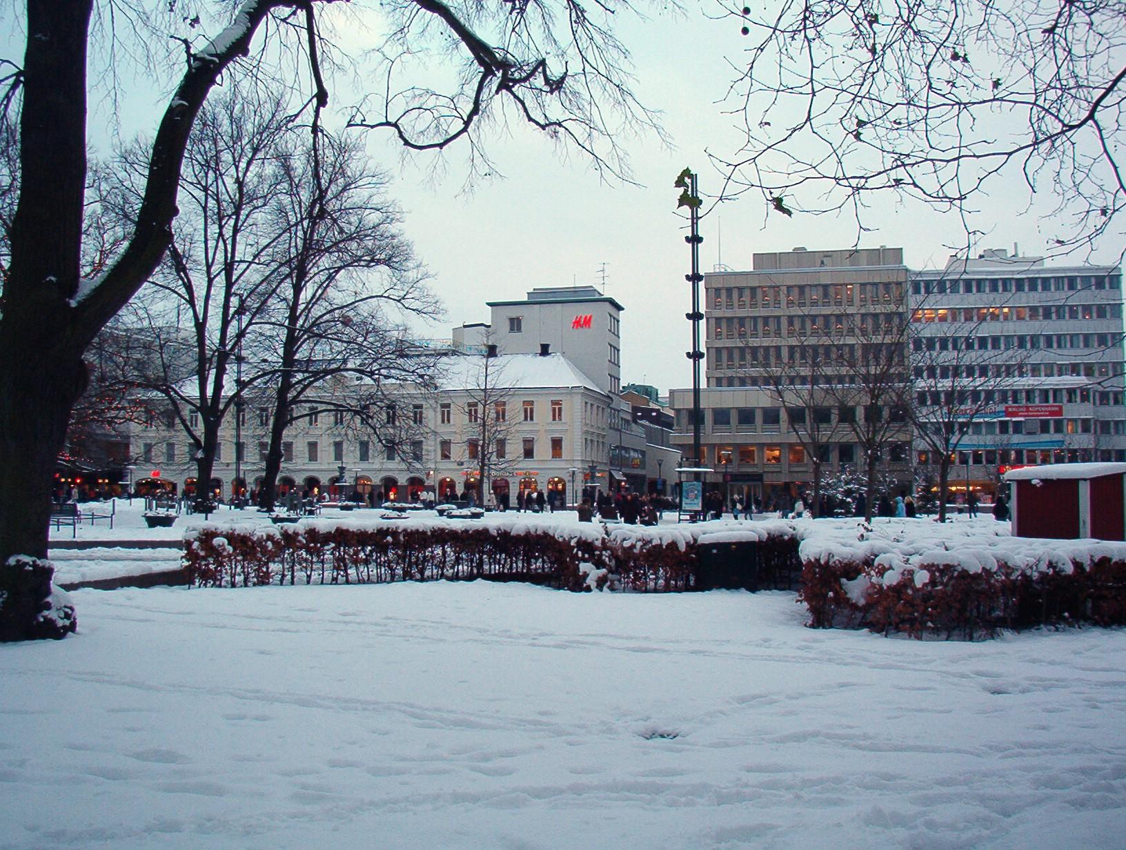 c5c140d89c8e File:Gustav Adolfs Torg, Malmö, Sweden, snowy.jpg - Wikimedia Commons