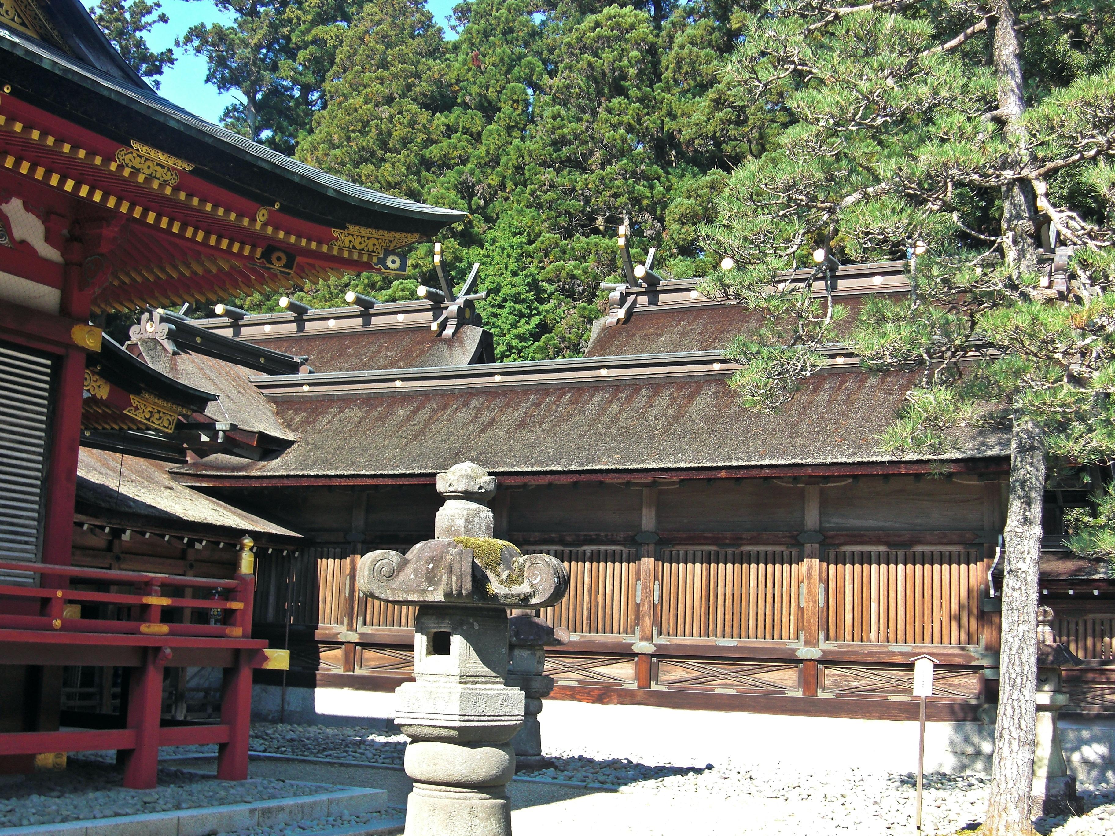 file hondens of shiogama jinja shrine migimiya and hidarimiya 2 jpg