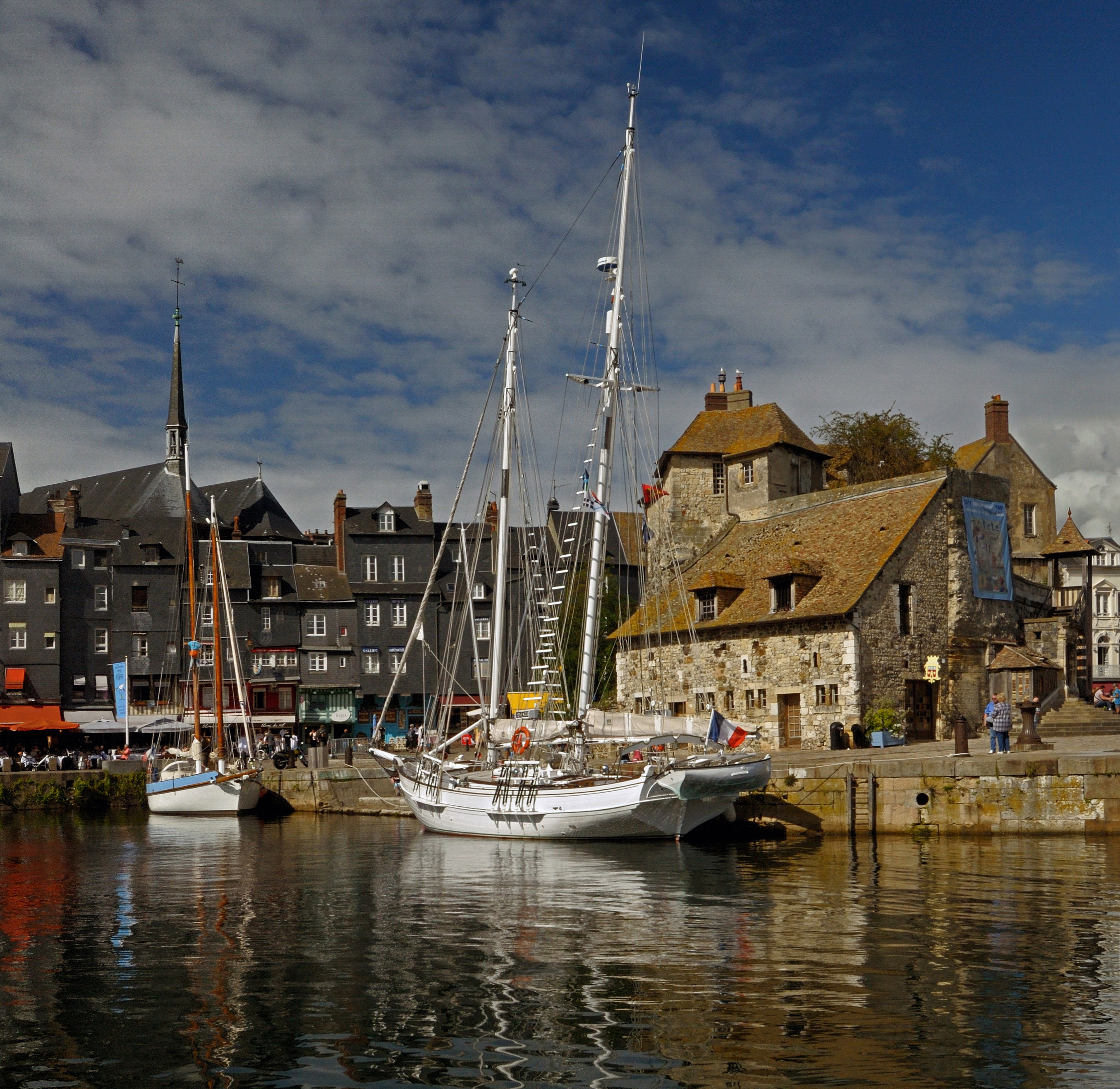 Honfleur France  city photos gallery : Honfleur France pier Wikimedia Commons