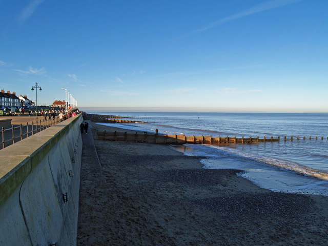 Hornsea Beach in February - geograph.org.uk - 332481