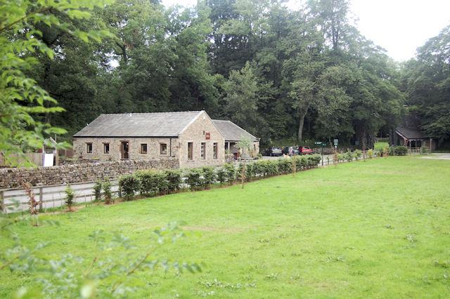 Ingleton Waterfalls shop and cafe. - geograph.org.uk - 882498