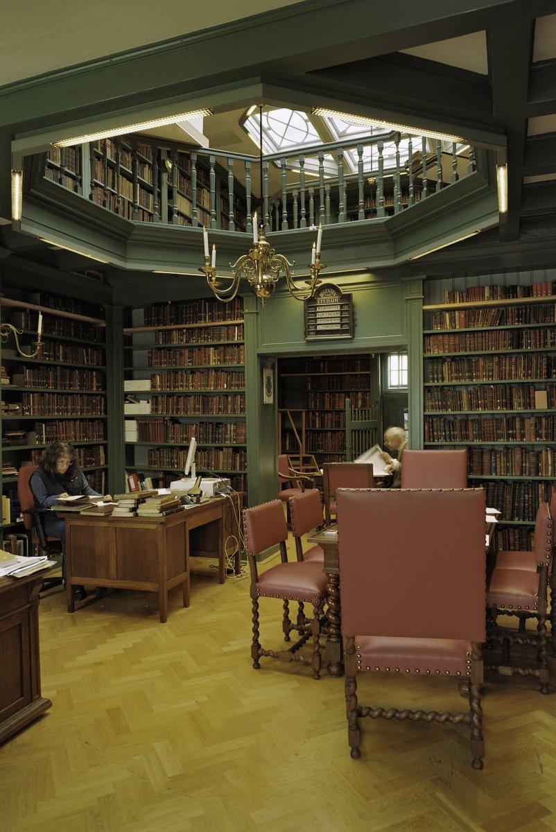 File interieur van de bibliotheek ets haim van de portugese synagoge te amsterdam amsterdam - Interieur bibliotheek ...