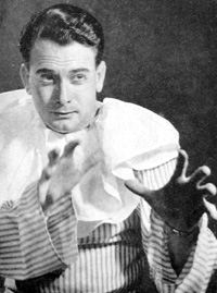 Gé Korsten in his debut role as Canio in Ruggero Leoncavallo's Pagliacci.