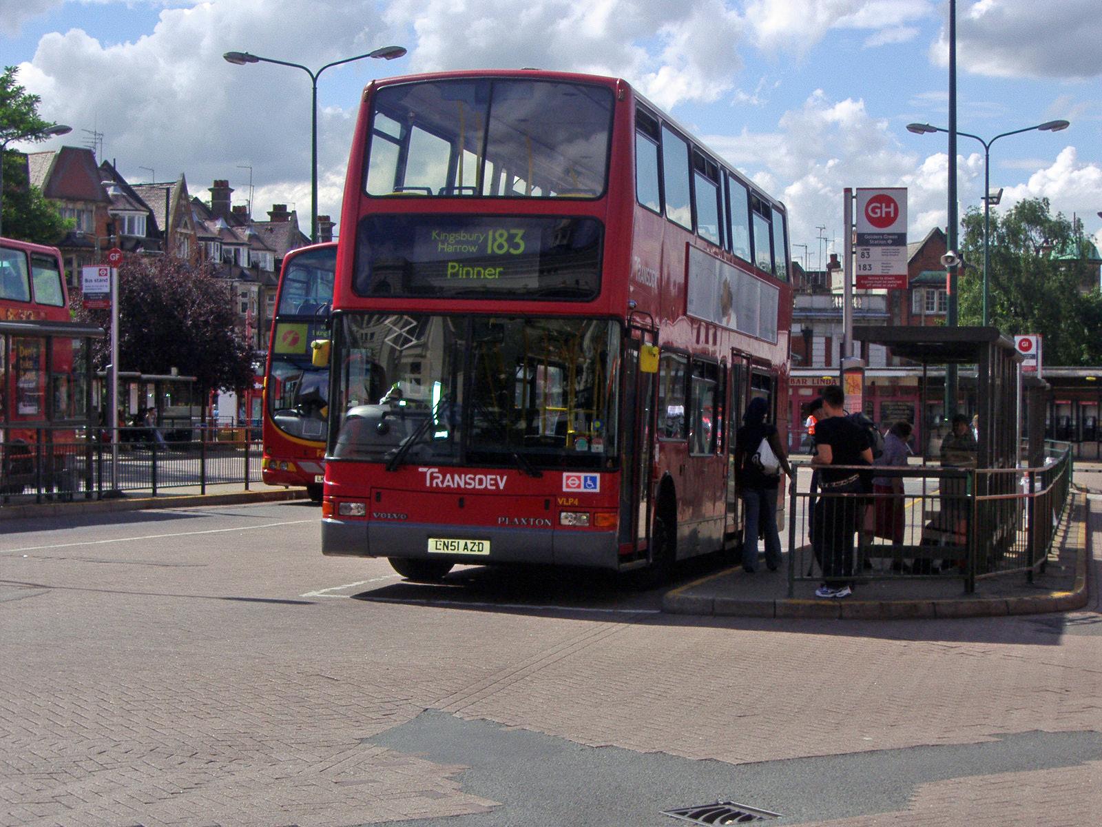 File:London Buses route 183 golders green jpg - Wikimedia