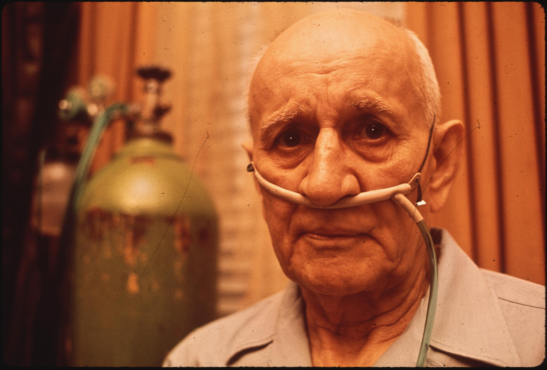 Man with a nasal cannula