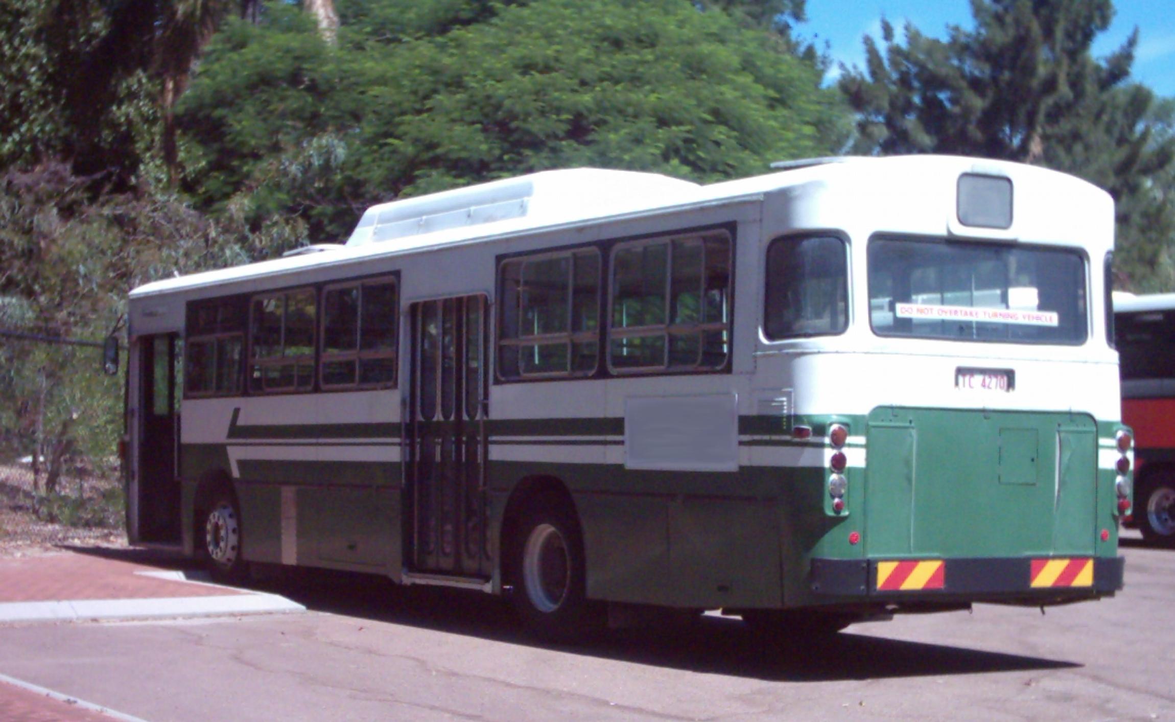 File:MTT bus colours Perth wa gnangarra.jpg - Wikimedia ...