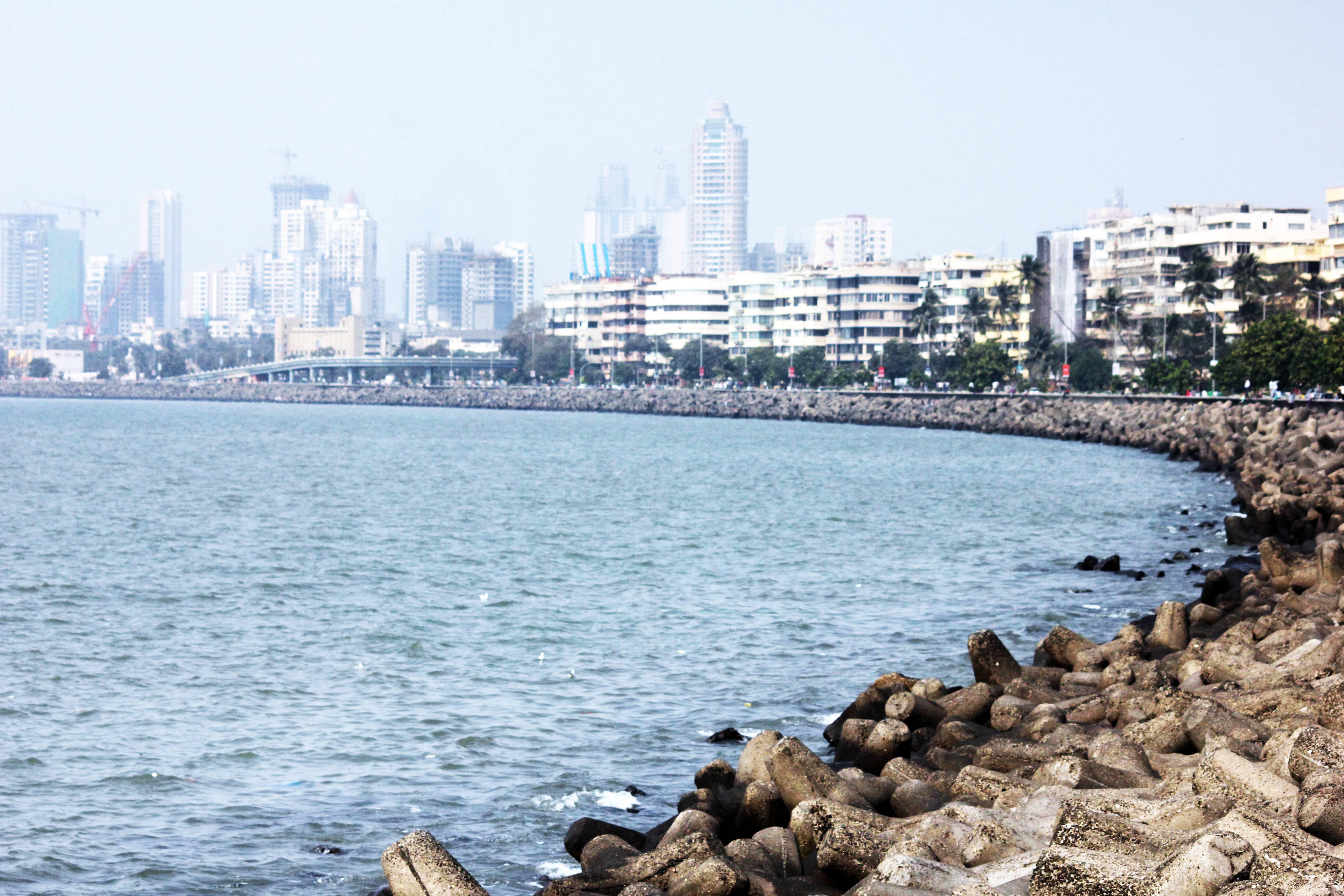 File:Marine Drive Queens Necklace Mumbai.jpg