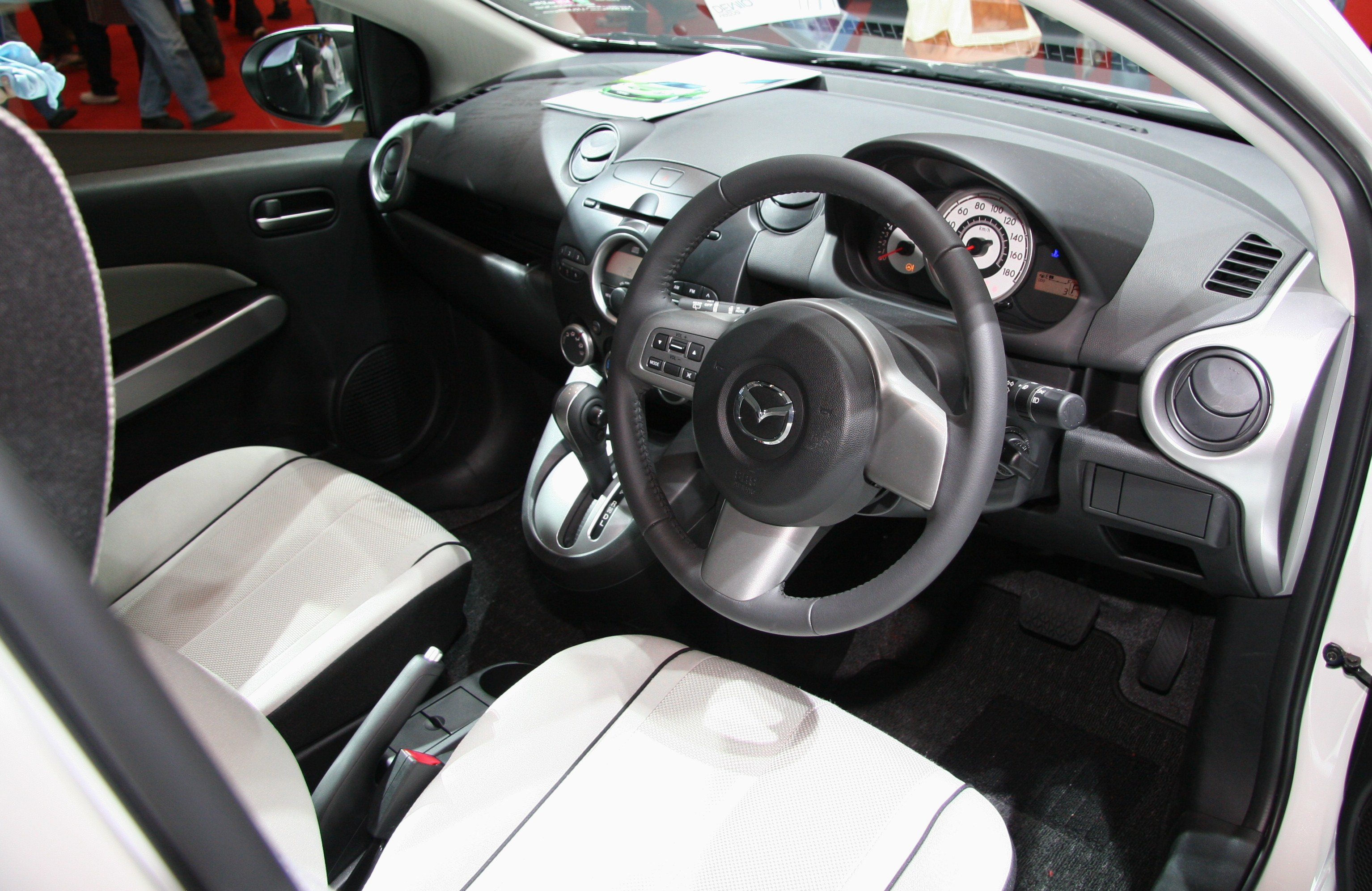 File:Mazda Demio DE interior.jpg - Wikimedia Commons