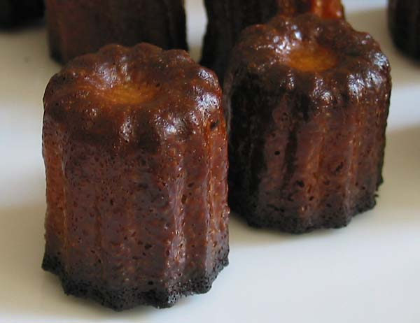 Mini canneles bordelais zoom