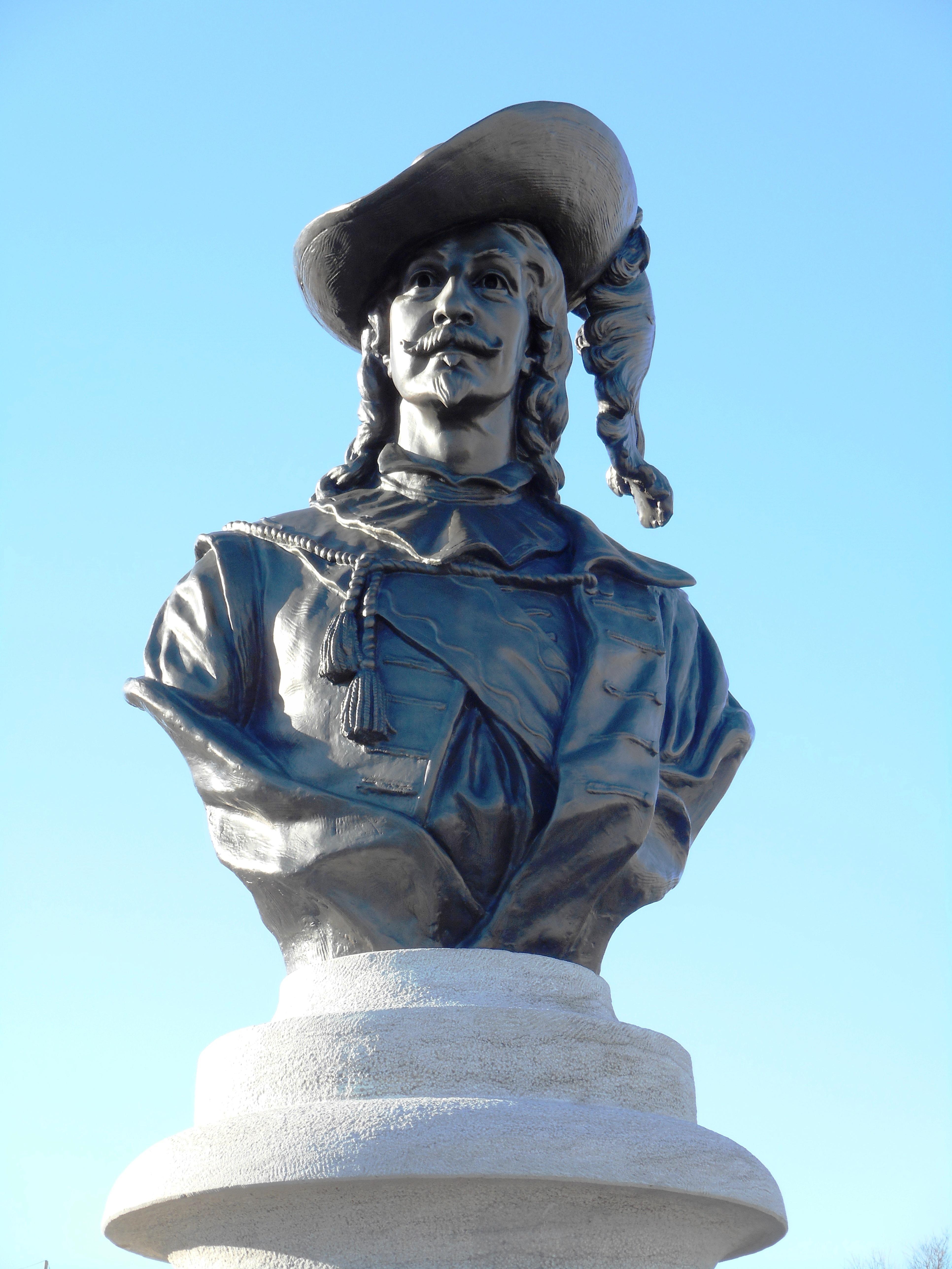 File:Monument de Pierre Du Gua de Monts 06.jpg - Wikimedia