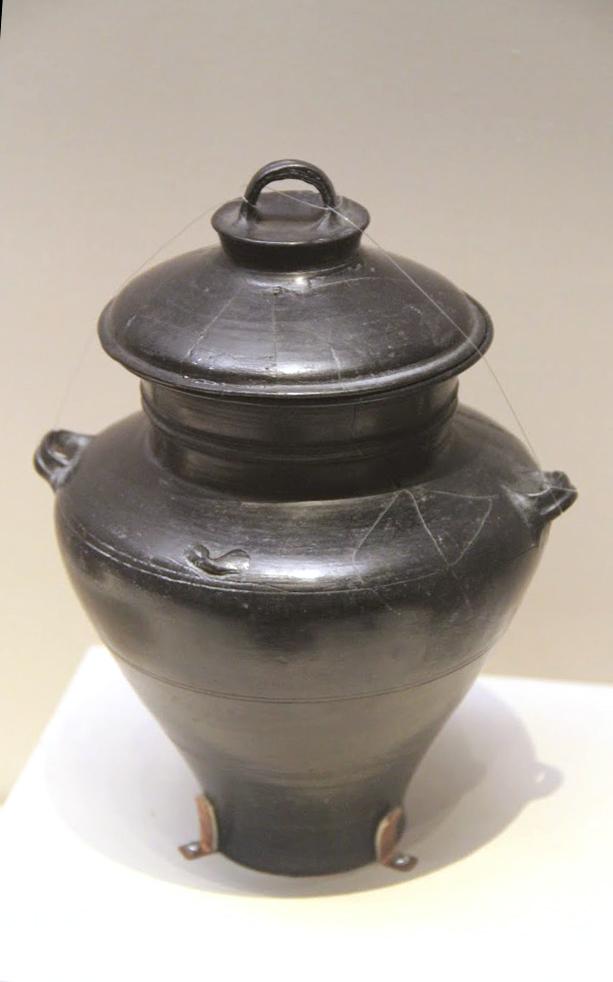Neolithic_pottery_jar%2C_Longshan_Cultur