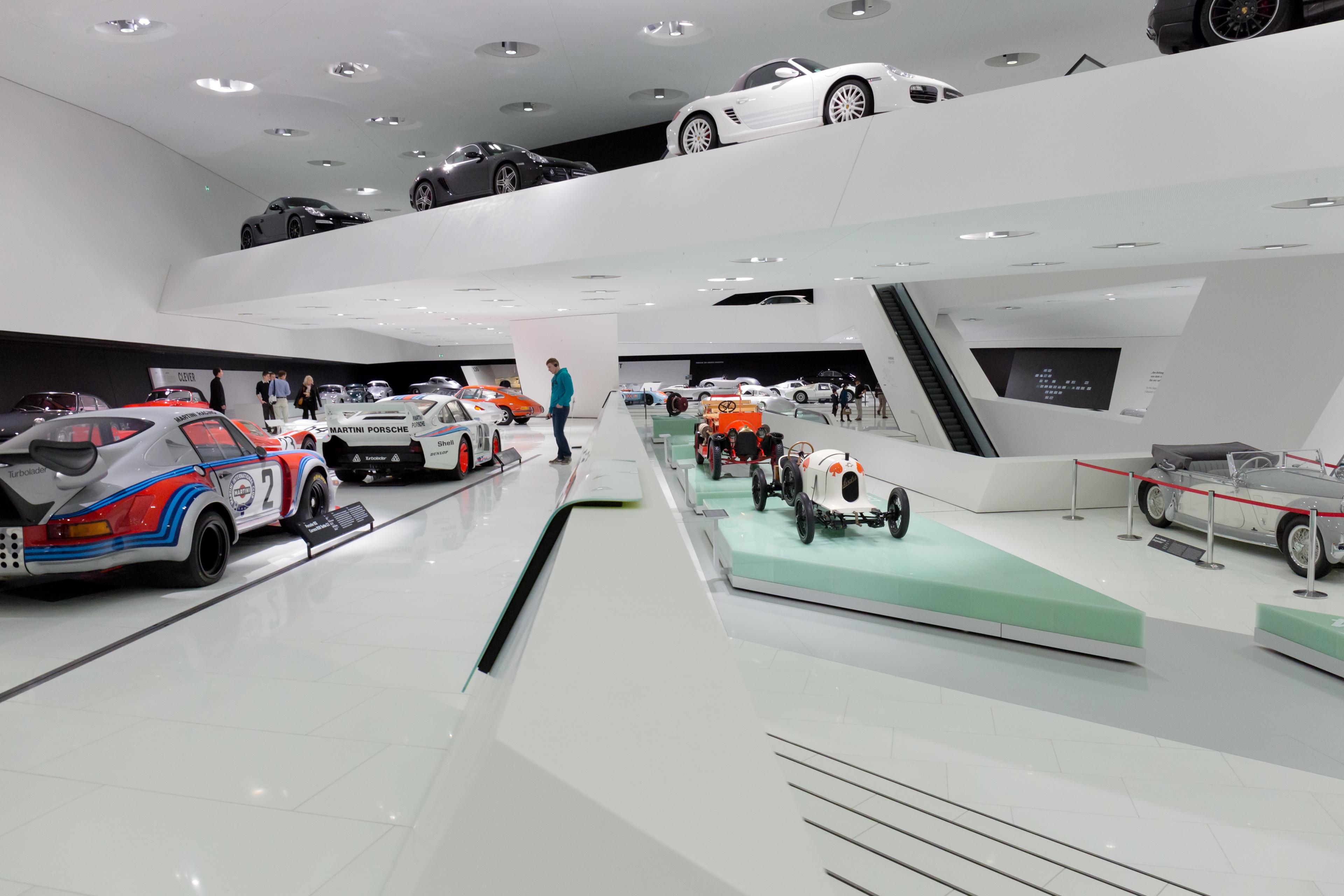File Porsche Museum Interior 4 2013 March Jpg Wikimedia