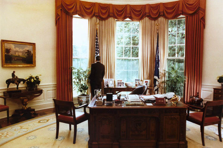 Cannonfire Oval office decor by president