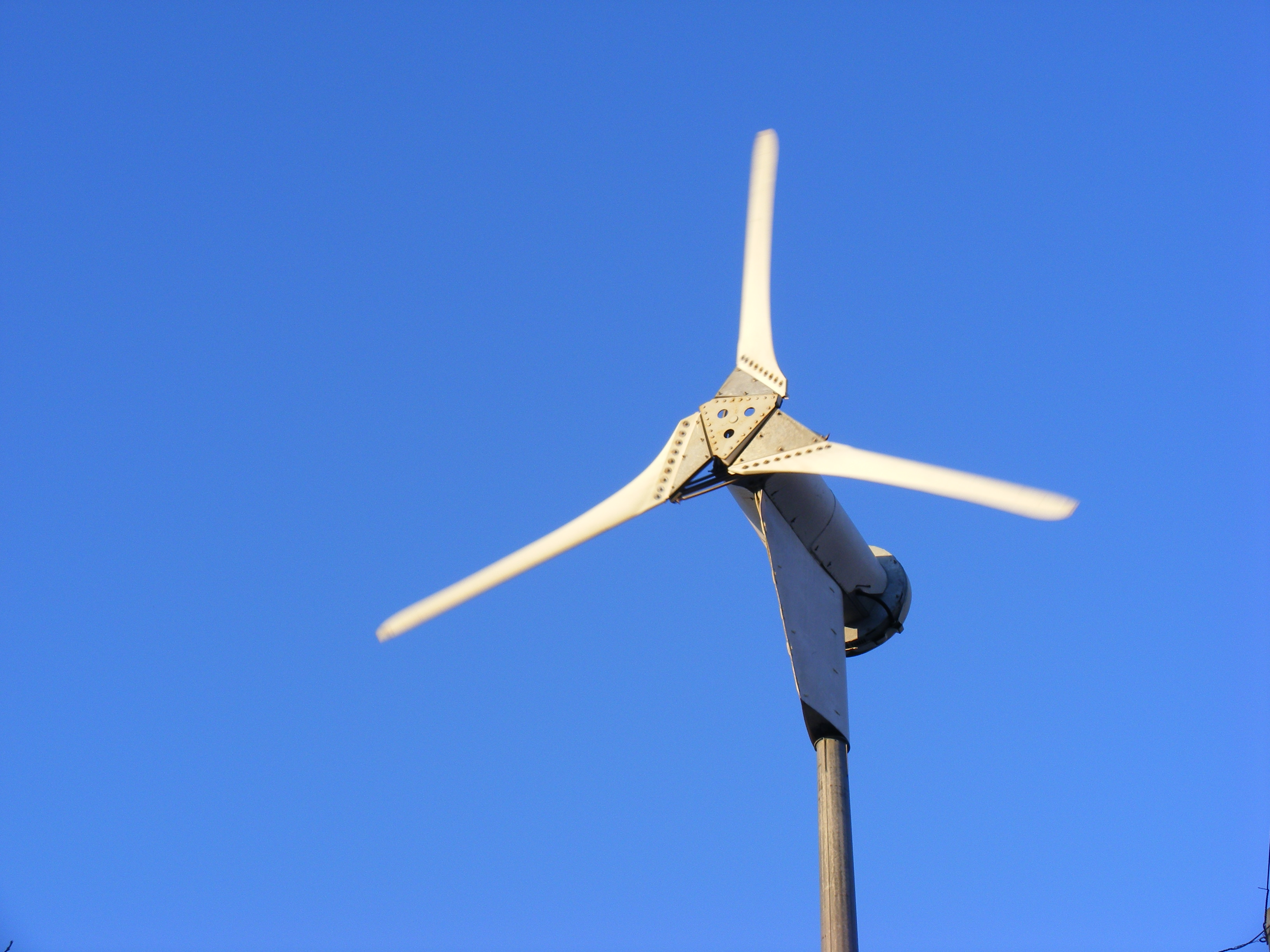 File Proven 6kw Small Wind Turbine Jpg Wikimedia Commons