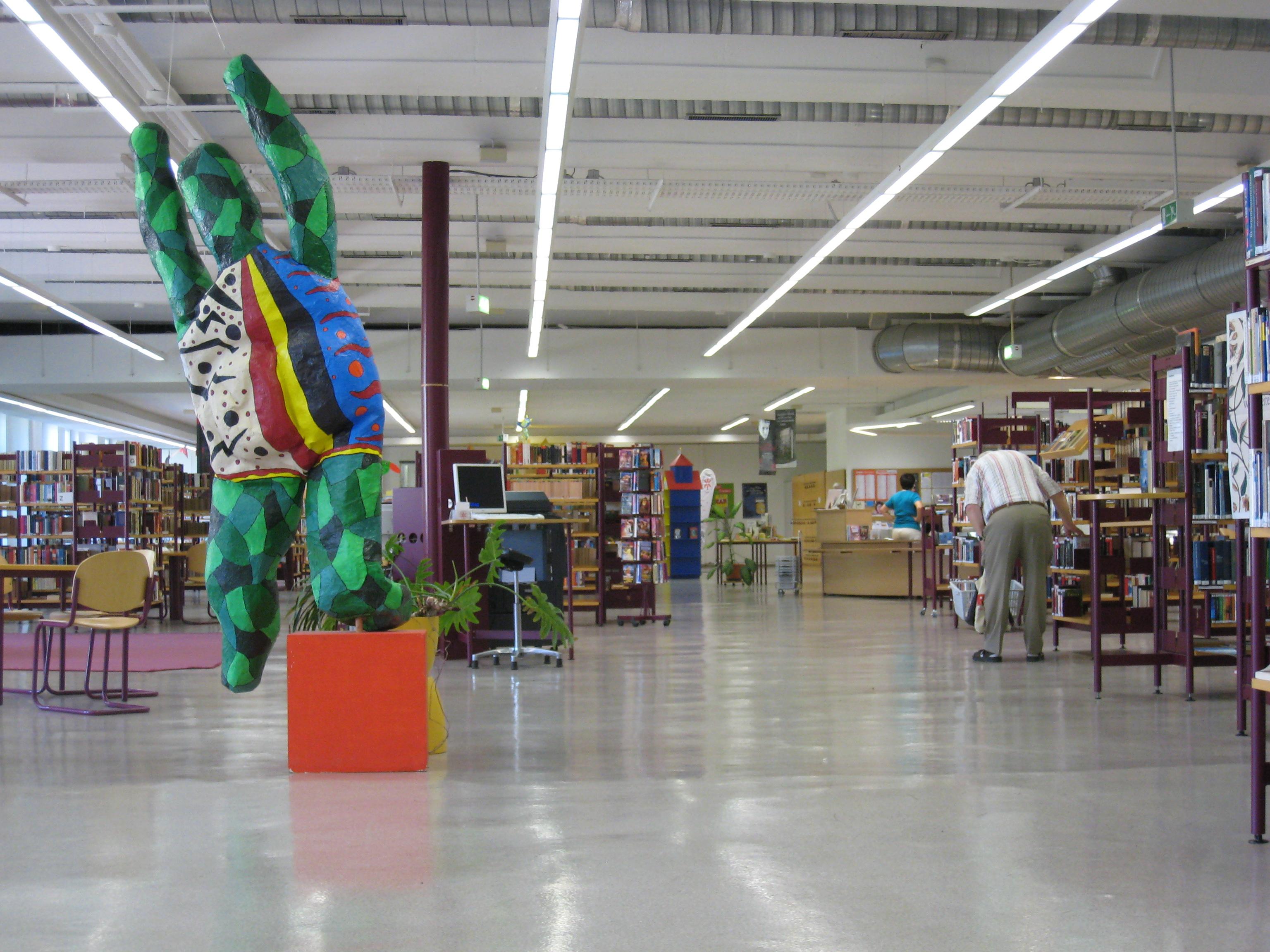 datei public library berliner platz erfurt interior jpg wikipedia. Black Bedroom Furniture Sets. Home Design Ideas