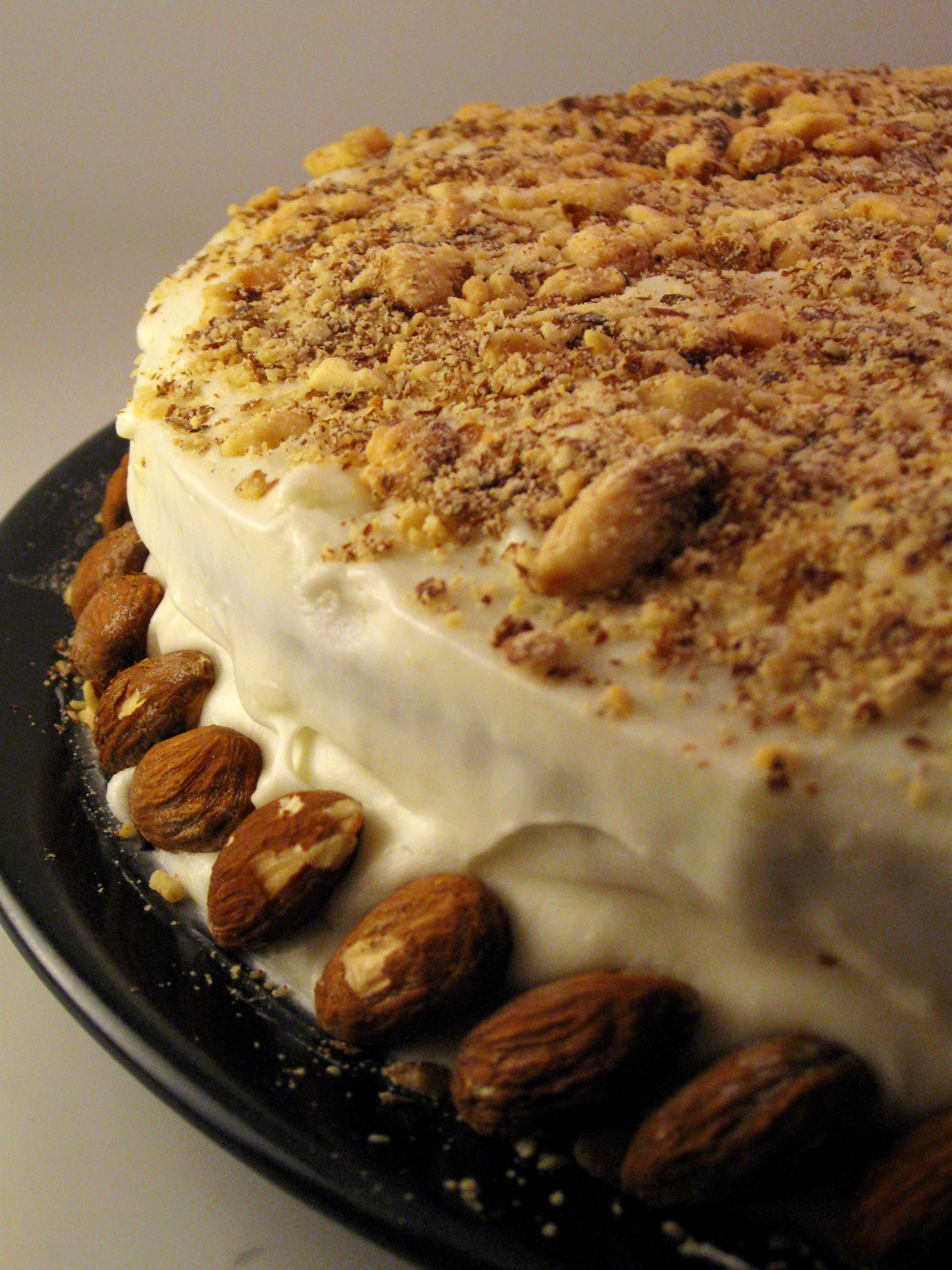 File:Pumpkin spice cake with almonds.jpg - Wikimedia Commons