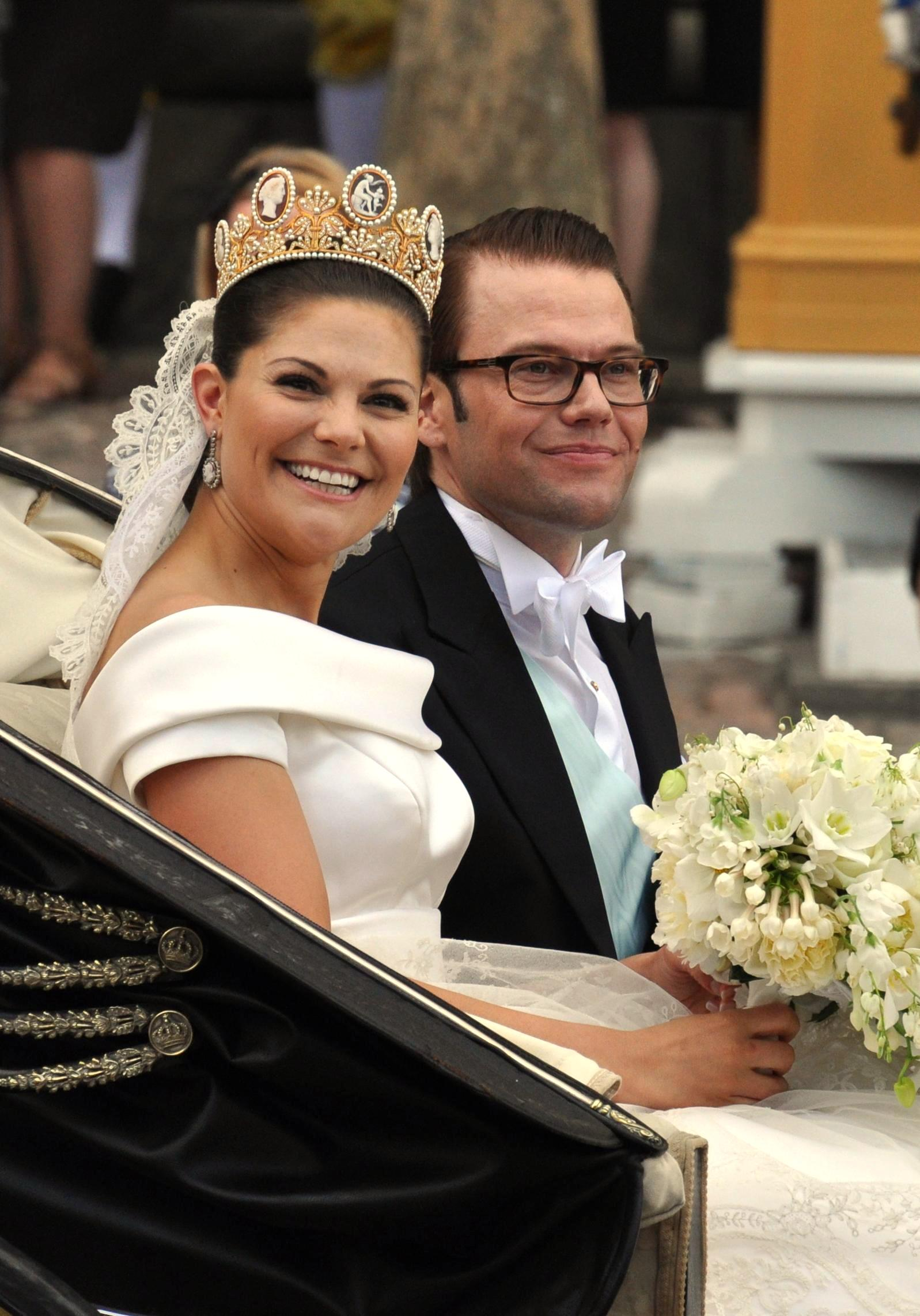 Wedding of Victoria, Crown Princess of Sweden, and Daniel Westling; Cortège at Slottsbacken