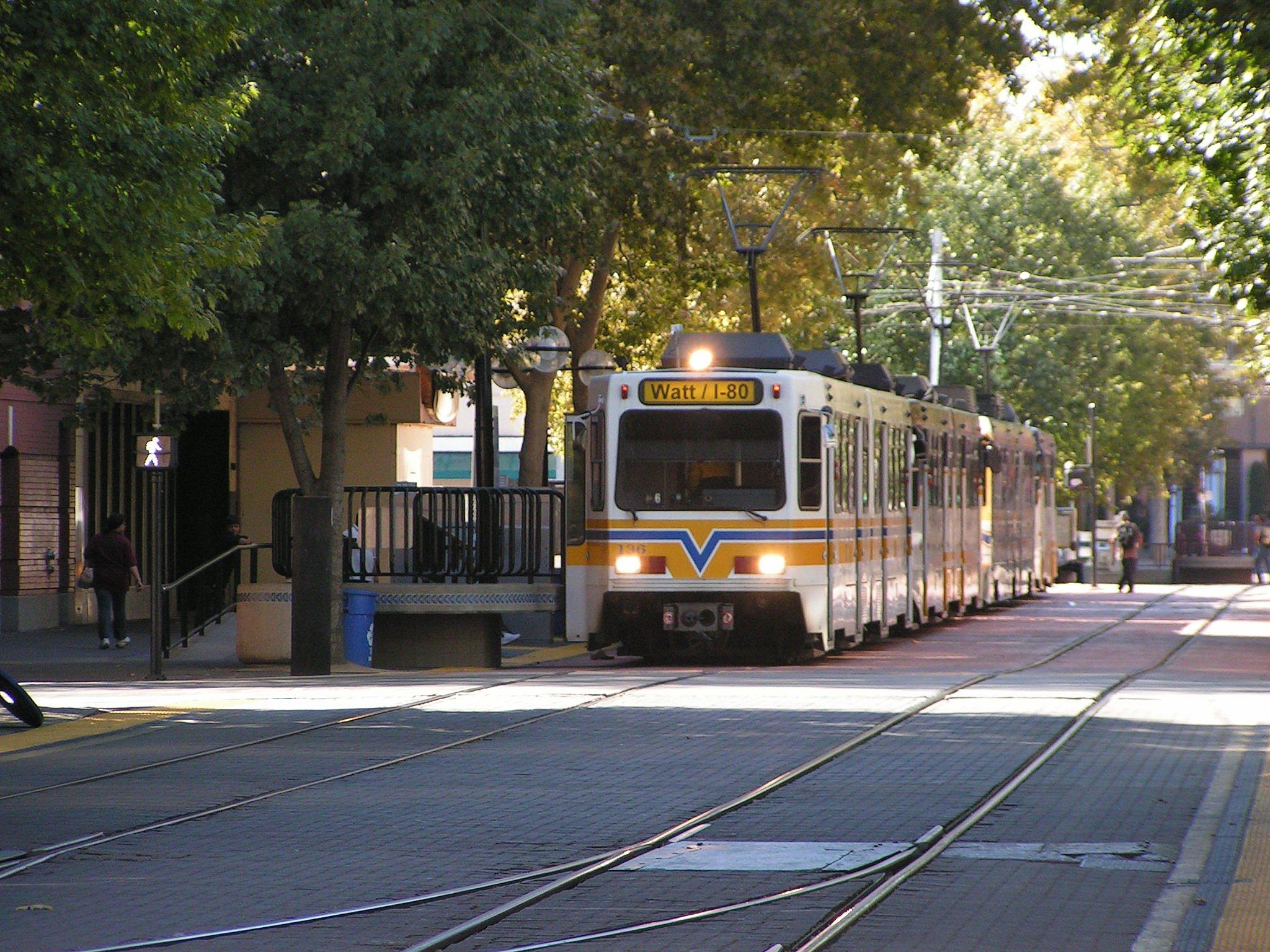 Sacramento_Light_Rail.jpg
