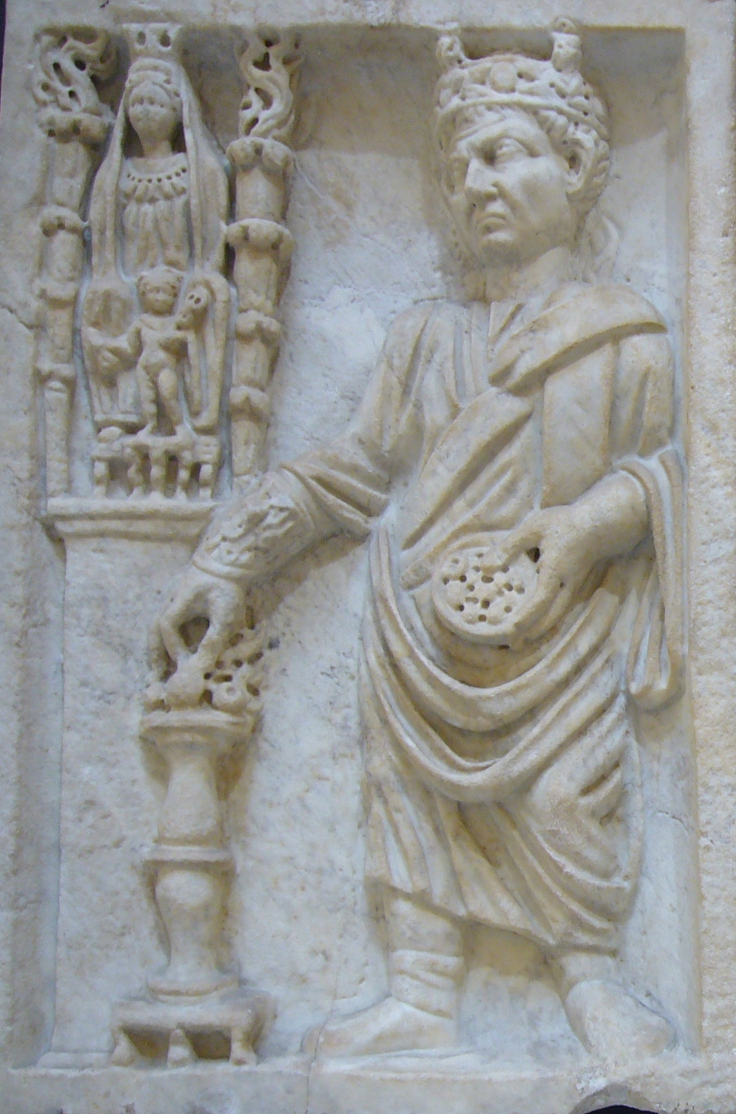 http://upload.wikimedia.org/wikipedia/commons/c/c9/Sacrifice_to_Cybele_-_Ostia_Antica.JPG
