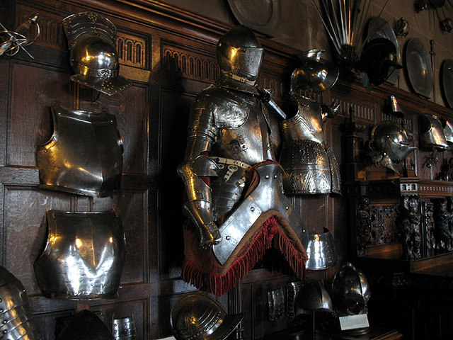http://upload.wikimedia.org/wikipedia/commons/c/c9/Shining_Armour_-_geograph.org.uk_-_568739.jpg
