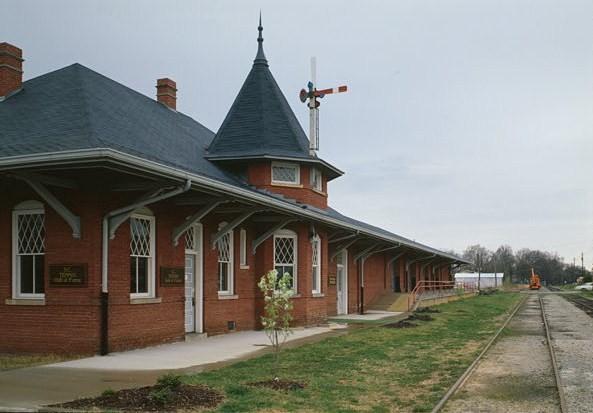 File:Southern Railway Combined Depot, West side of Belton Public Square, Belton (Anderson County, South Carolina).jpg