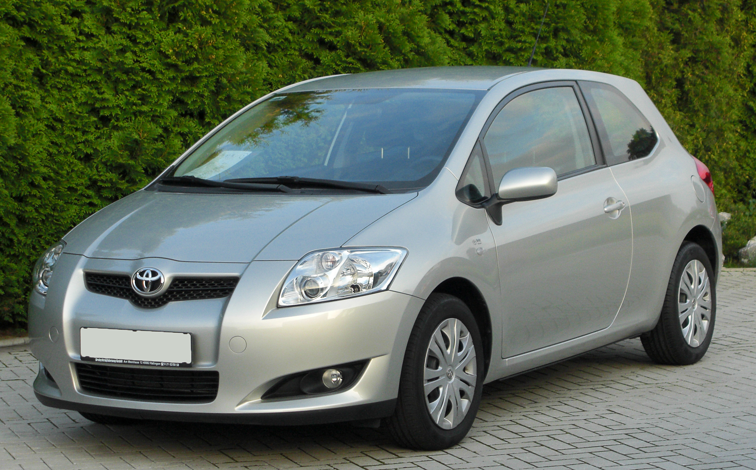 File Toyota Auris 1 6 Sol Front 20100919 Jpg Wikimedia