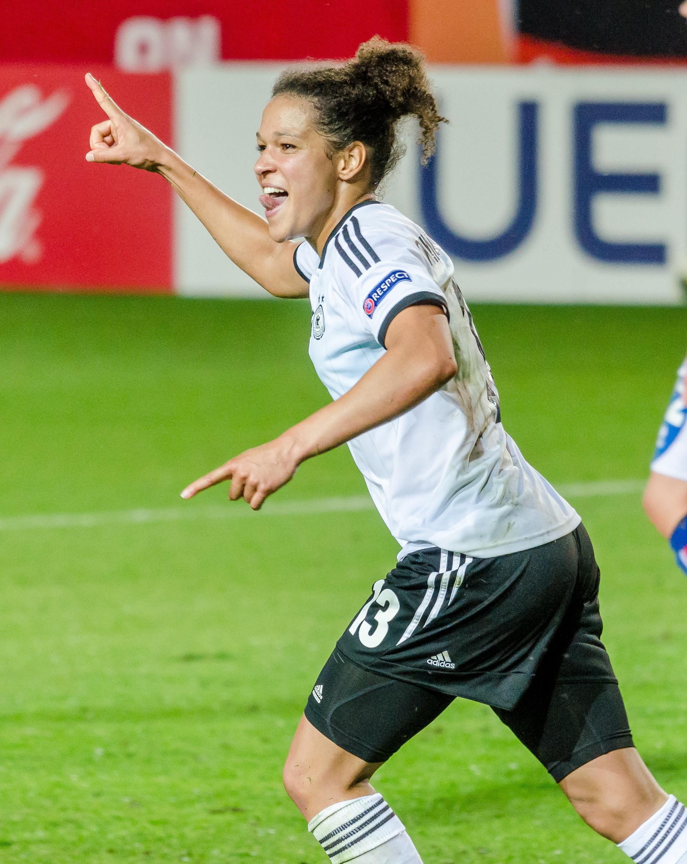 Fußballerin Célia Sasic