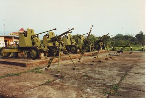 [Изображение: Viet_Minh_AAA_artillery_at_the_Dien_Bien_Phu_Museum.jpg]