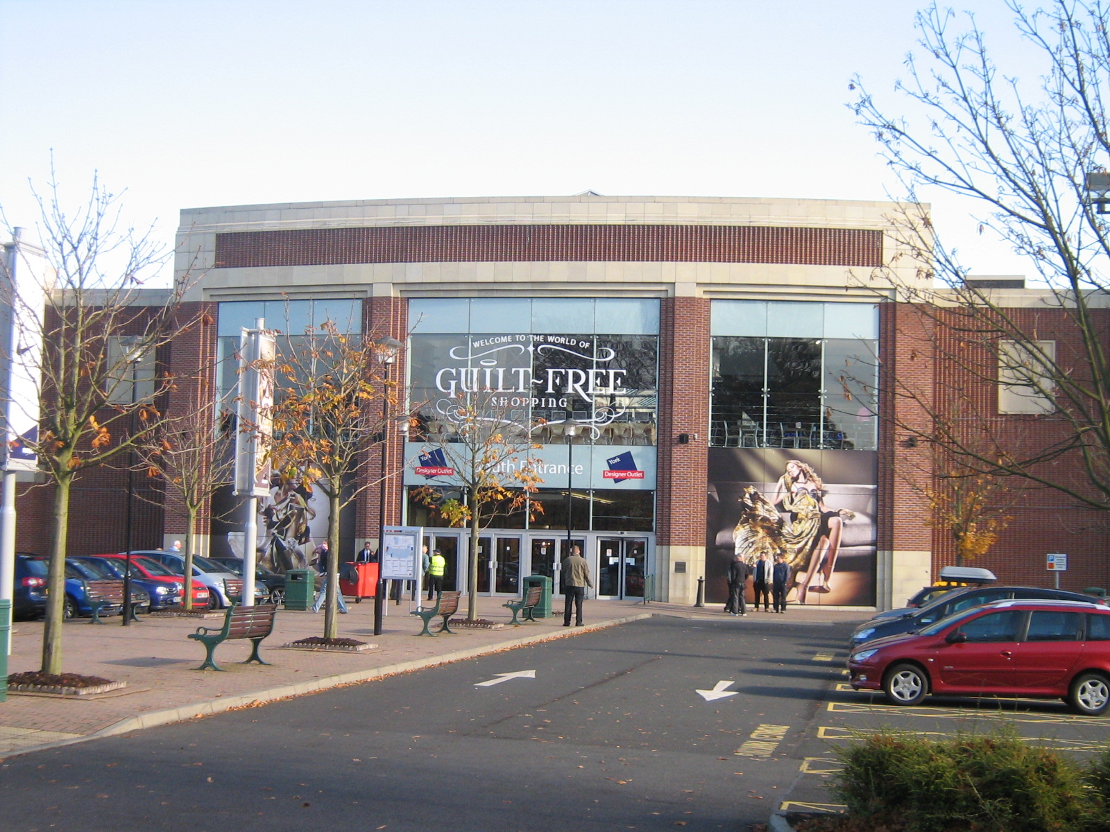 File:York Designer Outlet.JPG - Wikimedia Commons