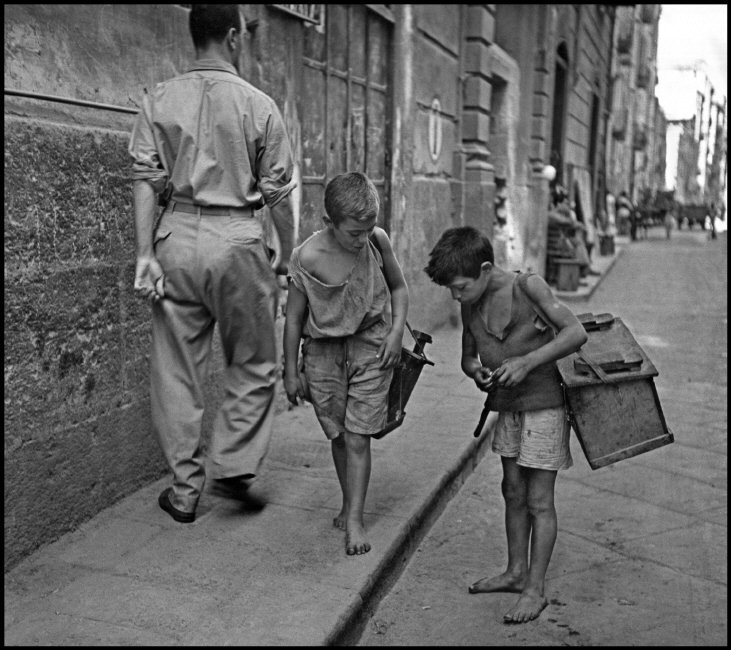 File Children In Naples Italy Little Boys At Work