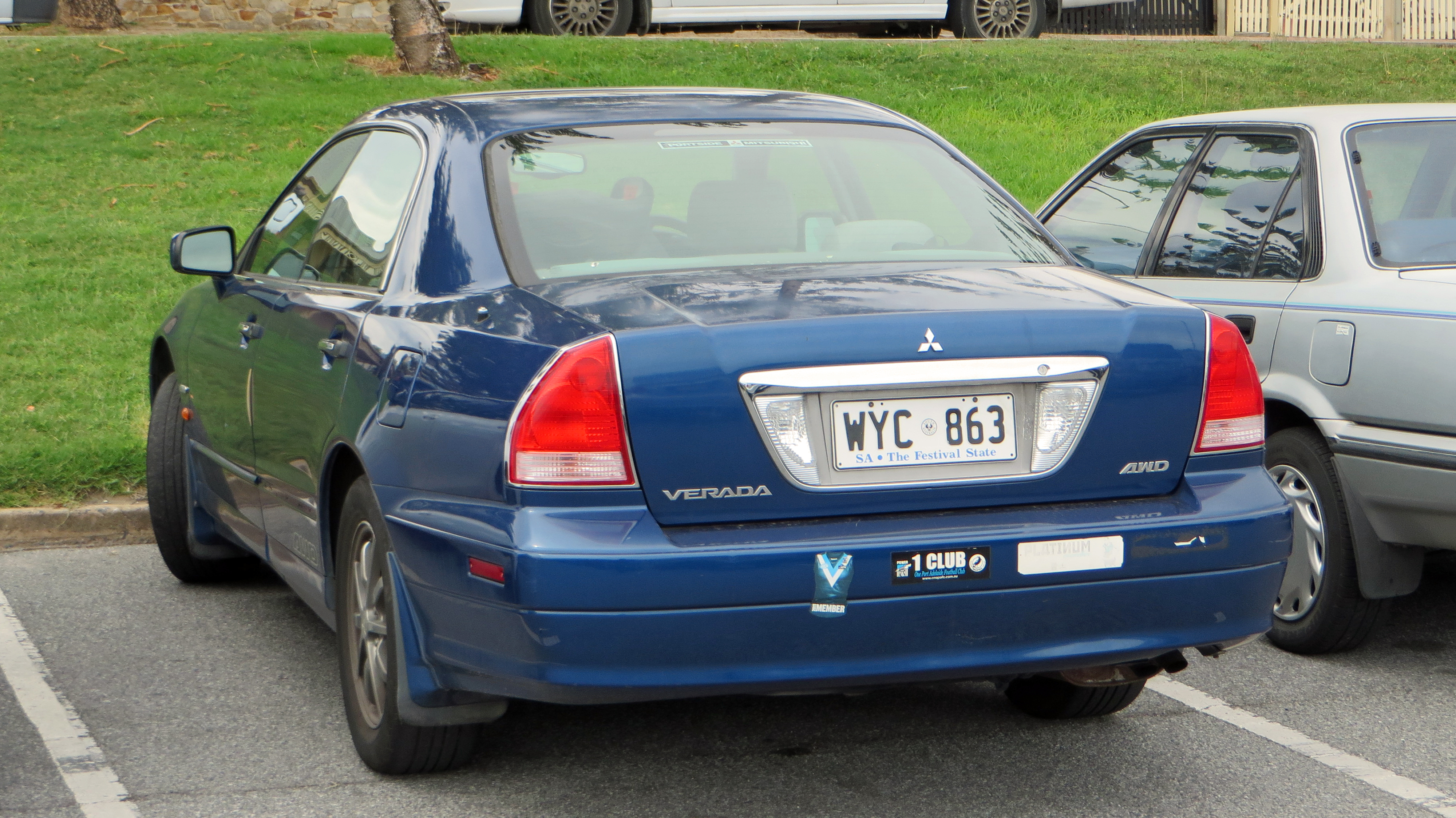 Mitsubishi verada 2003