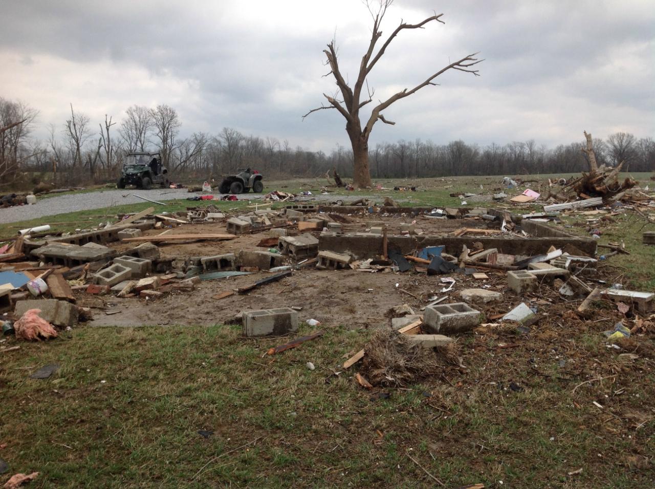 Illinois brown county versailles - Ef4 Damage To A Farmhouse To The Southwest Of Christopher Illinois