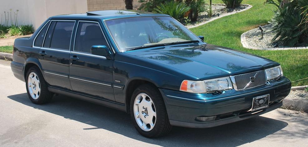 Volvo 960 —