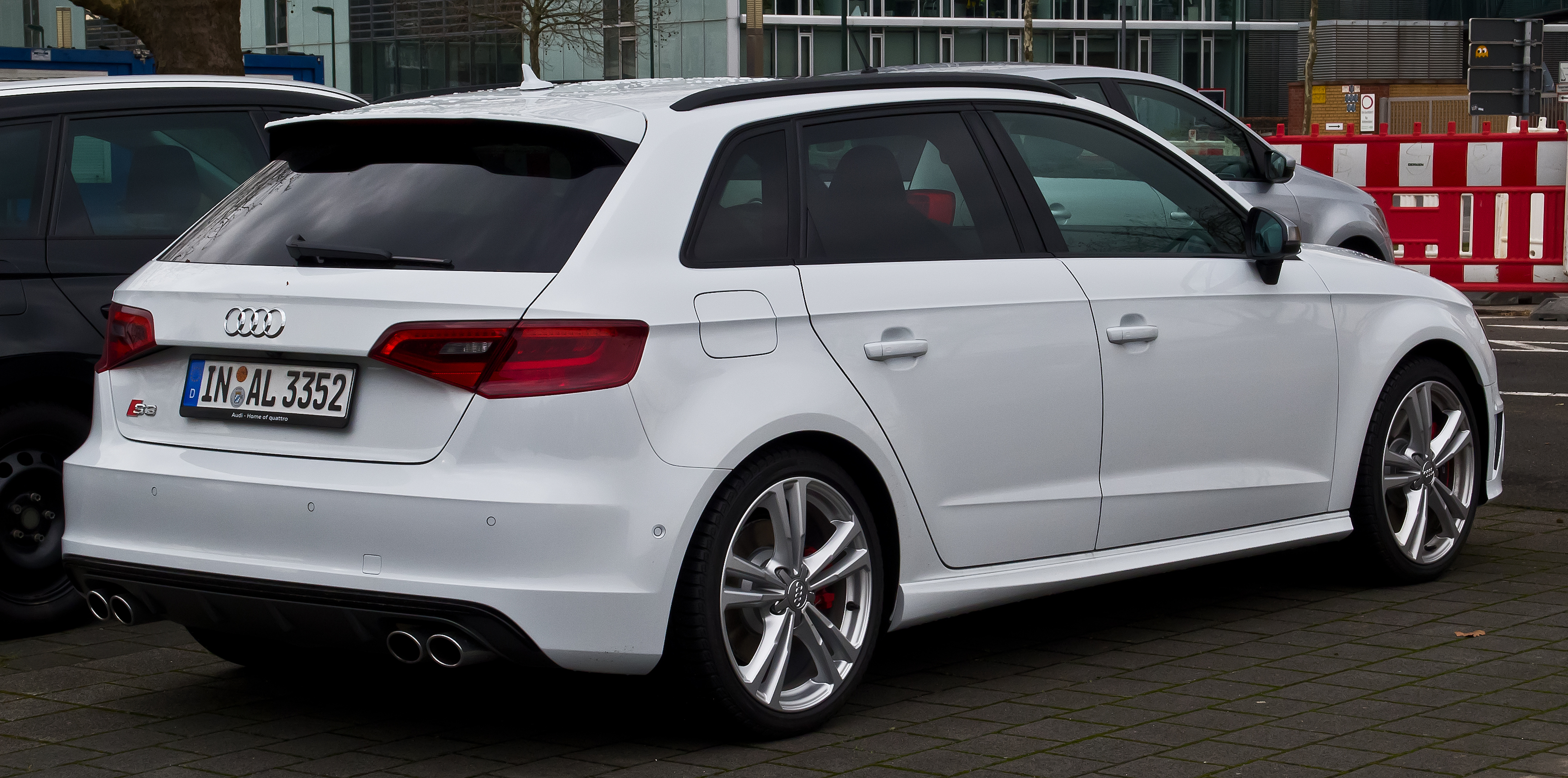 file audi s3 sportback 8v heckansicht 6 m rz 2016 d wikimedia commons. Black Bedroom Furniture Sets. Home Design Ideas